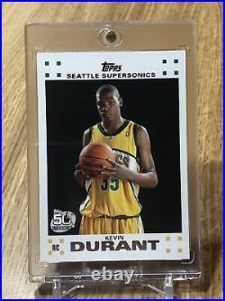 Kevin Durant 2007 Tops Rookie Card #2 Of 14 (White Version) Excellent Condition