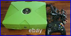 Limited Edition Mountain Dew Original Xbox Excellent Condition with controller