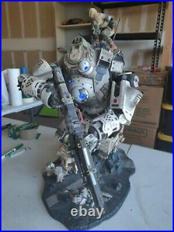 Titanfall Statue Limited Collectors Edition Atlas Excellent Condition