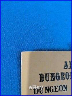 Vintage First Edition AD&D Dungeon Master's Screen. EXCELLENT CONDITION
