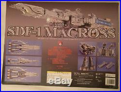 Yamato Macross 1/3000 Scale SDF-1 Figure Japanese Version, Excellent Condition